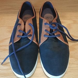 Almost new Clae Carter suede sneakers